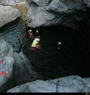 Canyoning sul Butramo, tuffo su pozze