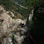 scivolo sopra la cascata del Chalonero