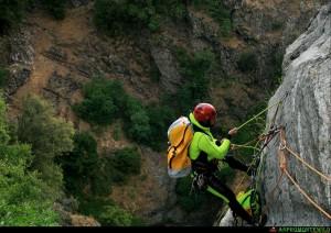 Manovre e nodi per accesso su corda