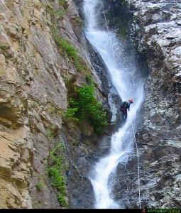Discesa dellla cascata Cicutà sul torrente ferraina