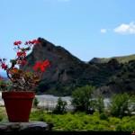 Rocca del Lupo vista dall'agriturismo il Bergamotto