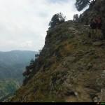 Sentiero di ritorno scavato nella Roccia a mezzacosta di Monte Perre
